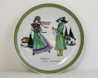 Hand painted porcelain HUTSCHENREUTHER collectable dessert plate - Bavaria folk couple by Helma Bayerrat - French 70s vintage