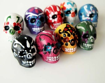 10 Large Sugar Skull Beads - LG600 - ceramic, skull, skulls, peruvian, day of the dead, dia de los muertos, halloween