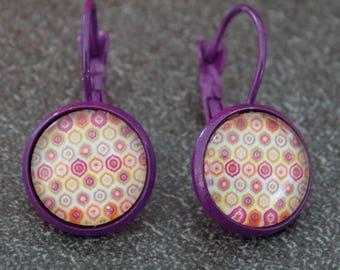 Purple stud earrings and its geometric cabochons