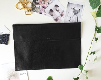"Black Leather 13 ""Macbook Sleeve, MacBook 13 Pro, Office Bag, Laptop, Padded, Leather Sleeve, embossed great for a gift"