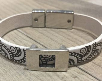 Leather Bracelet white/silver oriental magnetic clasp