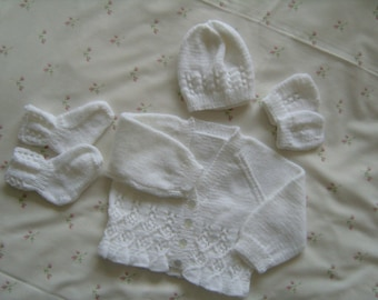 hand made new born baby clothes