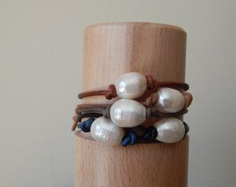 Single pearl leather bracelet, boho style jewelry, pearl on leather, beach boho, festival chic jewelry, greek leather, summer jewelry