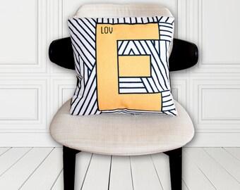 Geometric Love - Cushion Blanket