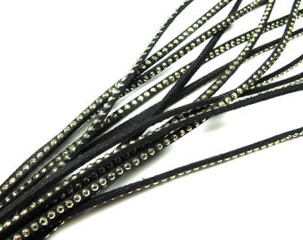 SQUARE 2MM BLACK LEATHER BRAID HAS NAIL FACETED GOLD 30CM BY 30CM