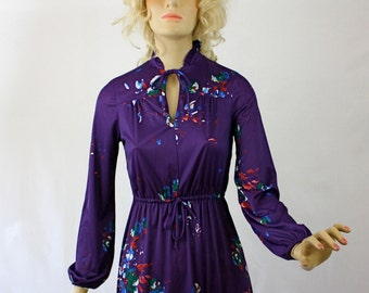 Vintage 70s Day Dress Silky Purple Floral Print Secretary Day Dress w Bow Tie