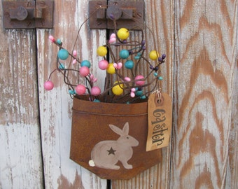 Primitive Spring Bunny Rabbit Hand Painted Rusty Tin Pocket with Berries and Tag GCC3868