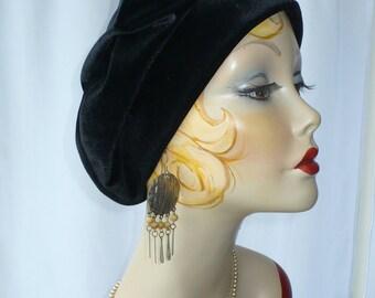 Women's Black Velvet Beret