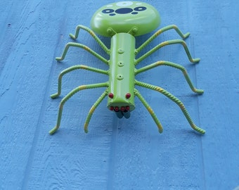Large Recycled Metal Yard Spider