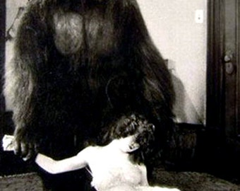 A Gorilla and His Girl, a blank note card