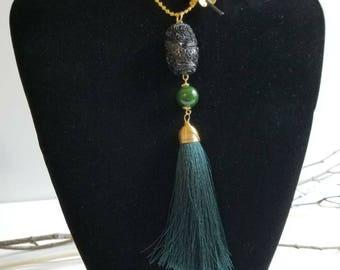 Black pompom necklace