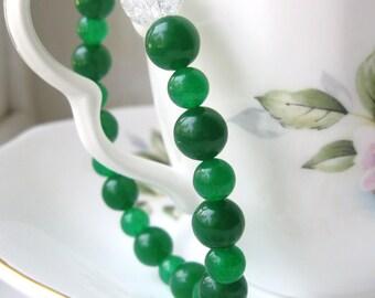 Emerald green jade yoga stretch bracelet, elastic bracelet, zen bracelet, jade bracelet, womens bracelet, beaded bracelet, green bracelet