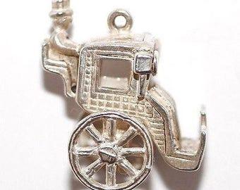 Vintage Sterling Silver Bracelet Charm Moving English Hansom Cab Carriage (5g)