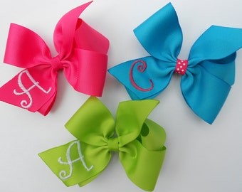 SALE..set of 3 monogrammed hair bows.. U Choose from 20 colors and initial