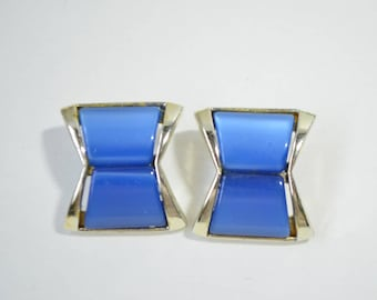 Vintage Charel Blue Thermoset Clip On Earrings