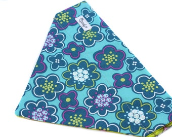 Bandana fits over the collar, Teal flowres