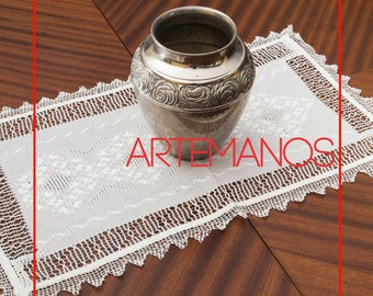 Table Runner// placemat// doily// ñanduti // lace //Handmade // embroidery // embroidered // natural cotton // deco // artisans //