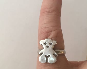 Vintage silver teddy bear ring