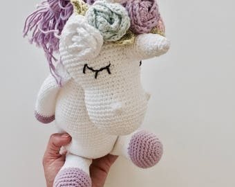 Amigurumi (Unicorn with flowers)