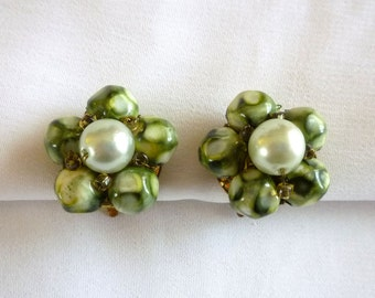 Green Glass Beads Pearl Earrings signed Hong Kong