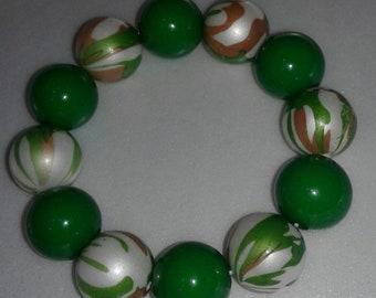 Green chunky bead bracelet