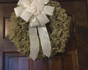 Tan and white small Wreath