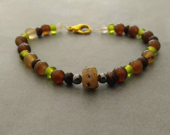 Bracelet with green and brown glass beads