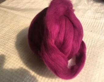 2 OZ Bergschaf wool roving. Colored. 32 mc. Wet felting fiber.