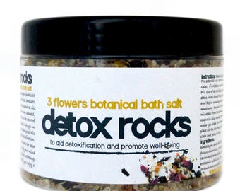 3 FLOWERS DETOX ROCKS : Himalayan Pink Salt, Seaweed, Lavender, Chamomile and Rose Bath Soak to Aid Detoxification and Promote Wellbeing