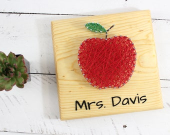 Teacher Apple Gift-Teacher Thank You-String Art Sign-Teacher Appreciation-End of Year Personalized Classroom Gift-Unique Sign
