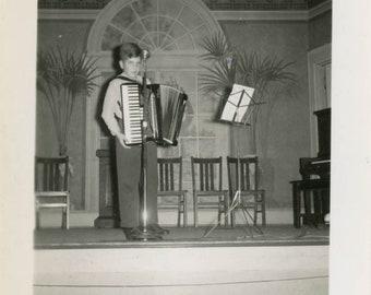 vintage photo 1951 Stanley Roberts Plays Accordian Giant Boy Miniature Room