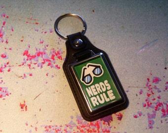 Nerds Rule Silver Plated Keyring - Key Ring - Key Chain - Green - Fun gift - Geek - Nerd - Retro