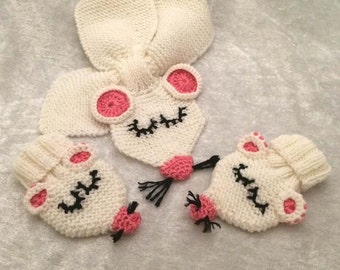 Mouse hand knitted gift set for newborn baby.Size up to 3 months. Scarf and mitt set for winter babies, photo props for mouse enthusiastic.