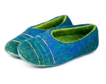 Women felted slippers with colourful lines decor and bright green inner part, BureBure wool slippers Natural Handmade in Europe Gift for her