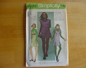 Vintage UNCUT 1970s Simplicity Pattern 9623 Misses' Mini-Jumper, Tunic, Short Shorts Size 12 Bust 34