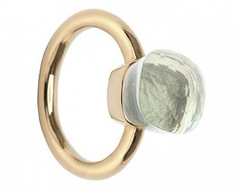 Ring with quartz stone, lite green
