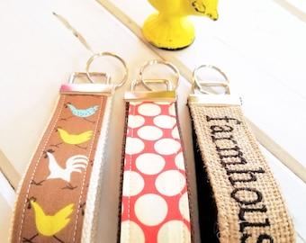 Farmhouse Burlap Wrist Key Chain , Farmhouse Key Fob Wristlet, Burlap Keychain, Farm Housekey ring,  Fabric Key Holder