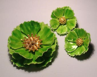 Vintage Vivid Green Flower Pin and Clip Earrings