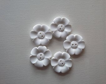 SALE Lot of 5 Flower Buttons - 40mm- White  WAS 5.00 NOW 4.00