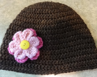 Crochet hat with flowers