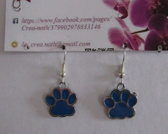 earring type Blue paw H16