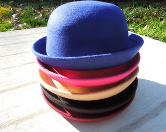 Bowler Hat, Girls Blue Bowler, Retro Hat for Girls, Blue Derby Hat. Girls Hat, Boys Hat, Wool Look Hat, Felted Wool Bowler