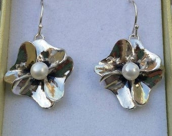 Flower Silver Earrings ,Pearl Silver Earrings ,Sterling Silver Dangle ,Wedding Earrings ,Handmade SEarrings ,Bridel Earrings ,Mother's Day