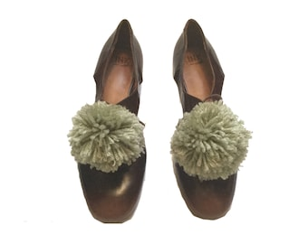 New! Olive Pom Pom shoe clips, Pom Pom shoes,shoes bling, shoe accessories