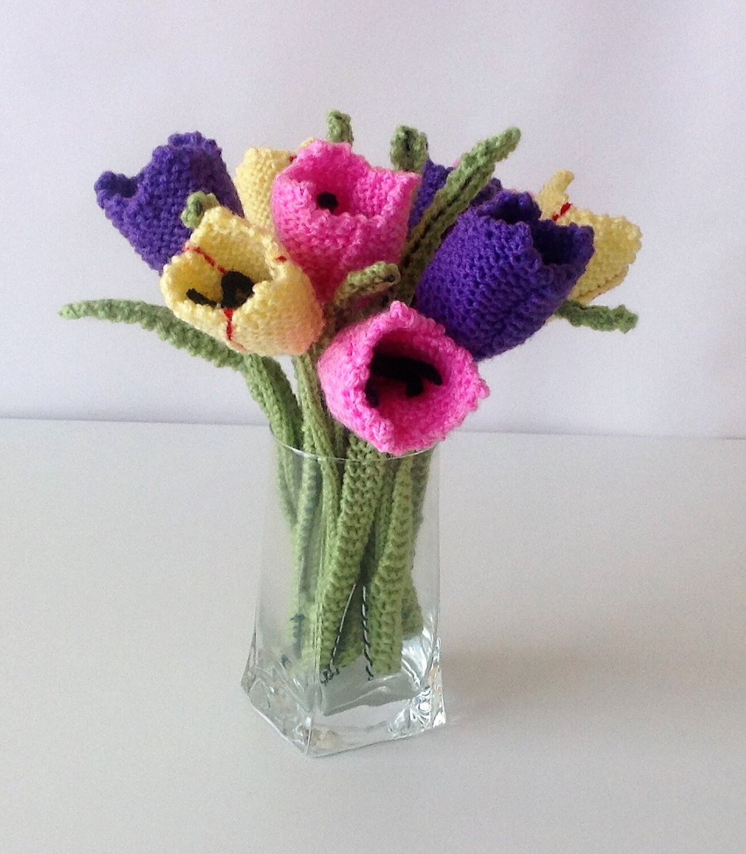 Flower knitting pattern, Knitting pattern for tulips, Knitted tulips ...