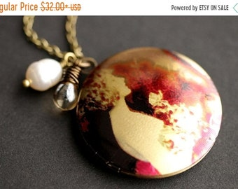 MOTHERS DAY SALE Dreaming of Paris Necklace. Vintage Woman Locket Necklace. Bronze Necklace with Glass Teardrop and Pearl. Bronze Locket. Ha