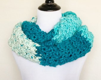 Chunky Infinity Scarf in Blue Moon