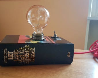 Book Lamp: An original and exclusive gift idea.