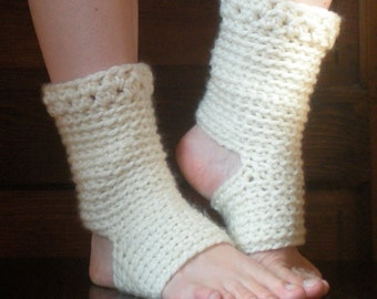 PATTERN:  Thick Yoga Socks, Dance Pilates Ballet Leg Warmers, easy crochet pdf, ankle, slouchy, dancer, InStAnT DoWnLoAd, Permission to Sell