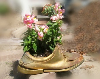 garden planter - flower planter - outdoor planter ,  Shoe planter -   Garden decor-  Garden art -  # 12